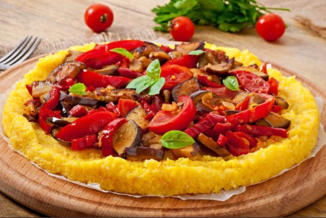 polenta-pizza-mit-gemuese.jpg