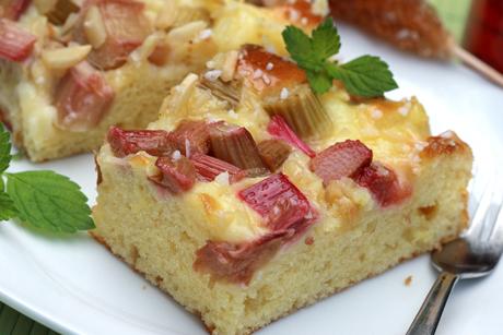 rhabarberkuchen-vom-blech.jpg