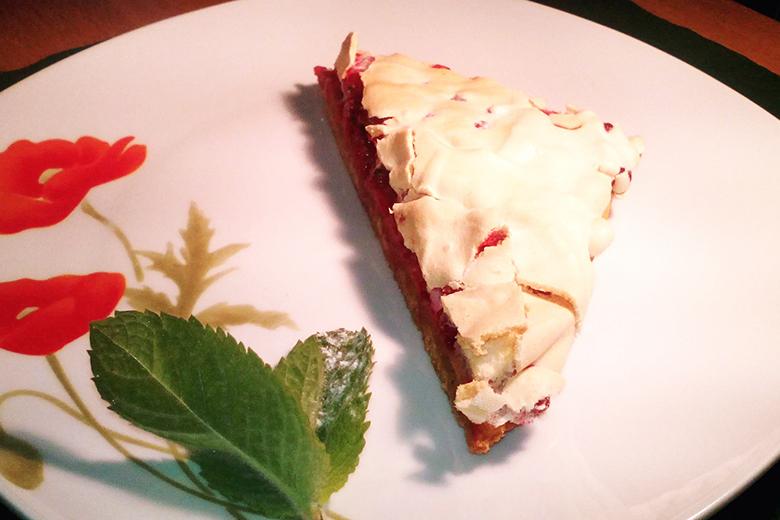 ribiselkuchen-mit-schneehaube.jpg