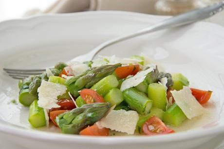 spargelsalat-mit-parmesan.jpg