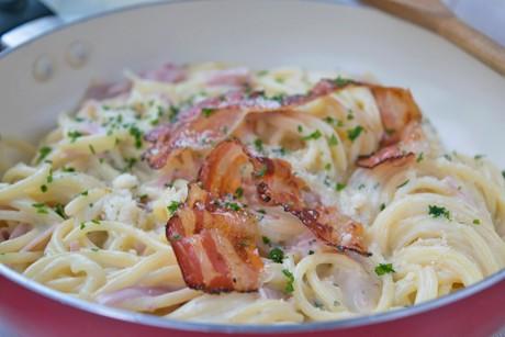 italienische-spaghetti-carbonara.jpg