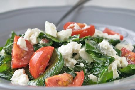 spinatsalat-mit-schafskaese.jpg