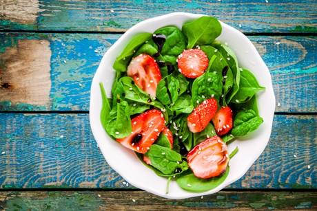 spinatsalat-mit-erdbeeren.jpg