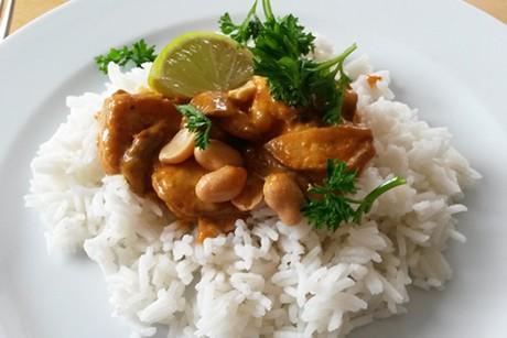 putenbrust-champignons-thai-curry-mit-basmatireis.jpg
