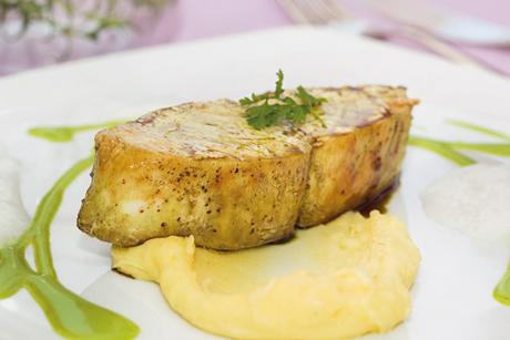 kuerbiskernoel-butterfisch-auf-krenpueree.jpg