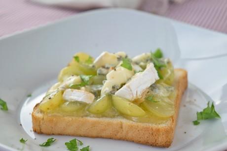 trauben-kaese-toast.jpg