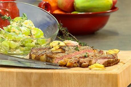 rib-eye-steak-mit-trauben-linsen-salat.jpg