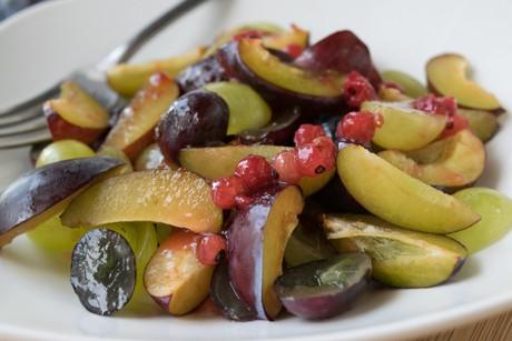 zwetschken-trauben-salat.jpg