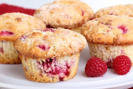 topfen-muffins-mit-himbeeren.jpg