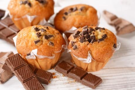 fluffige-muffins-mit-schokostueckchen.jpg