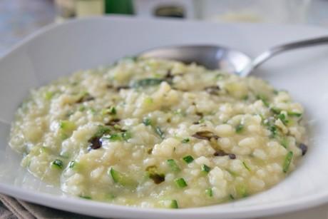 zucchini-risotto-mit-kuerbiskernoel.jpg