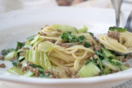 pak-choi-mit-spaghetti.jpg