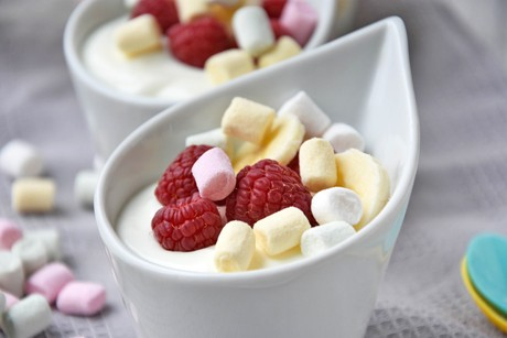 joghurtdessert-mit-marshmallow.jpg