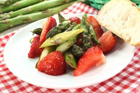 spargel-erdbeer-salat.jpg