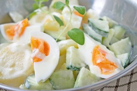 kartoffelsalat-mit-ei-gurke-und-mayonnaise.jpg