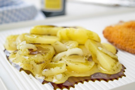 kartoffelsalat-mit-kernoel.jpg