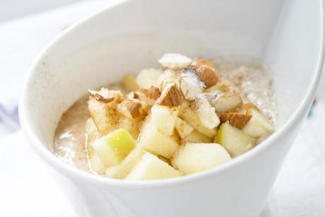 mandel-porridge-mit-fruechten.jpg