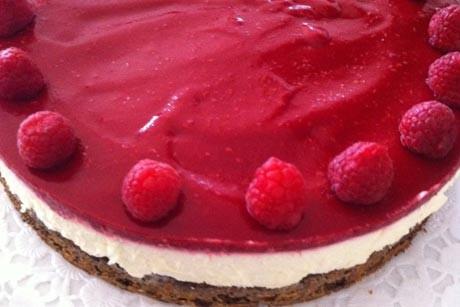 topfen-himbeer-torte.jpg