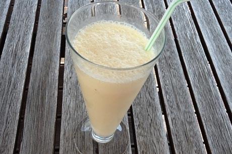 bananenmilch-mit-vanilleeis.jpg