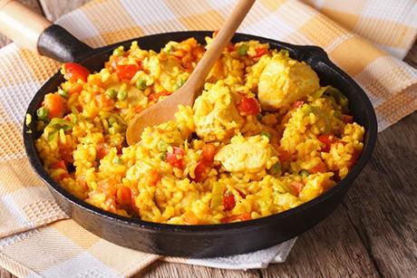 arroz-con-pollo-peruanisches-huhn-mit-reis.jpg