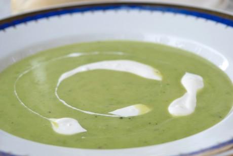 kalte-erbsen-minz-joghurt-suppe.jpg