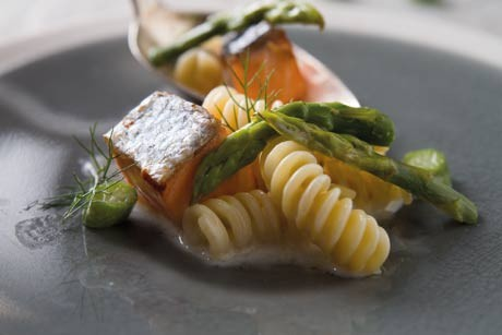 fusilli-salmone-e-asparagi--con-panna.jpg