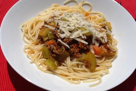 spaghetti-bolognese-mit-zucchini.jpg