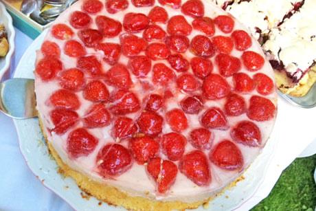 joghurttorte-mit-erdbeeren.jpg