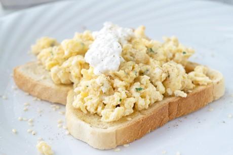eierspeise-mit-cottage-cheese.jpg