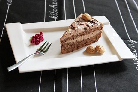 amaretto-truffel-sahne-torte.jpg