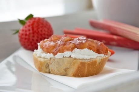 erdbeer-rharbarbar-marmelade.jpg