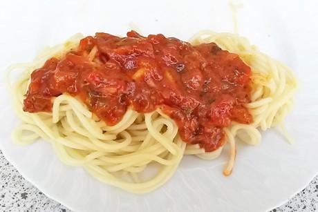italienische-tomatensauce-mit-spaghetti.jpg