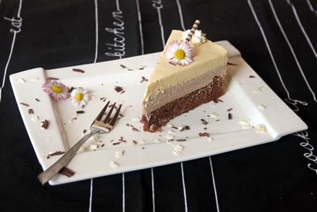 vanille-schokomousse-torte.jpg