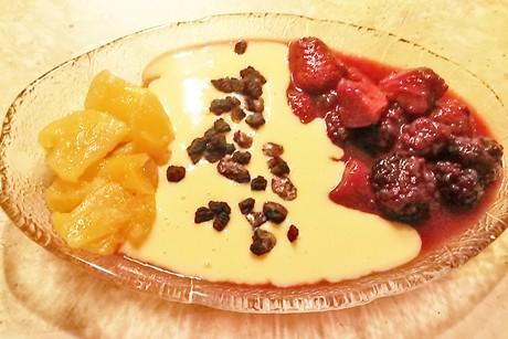 karamellisierte-fruchte-mit-vanillecauce.jpg