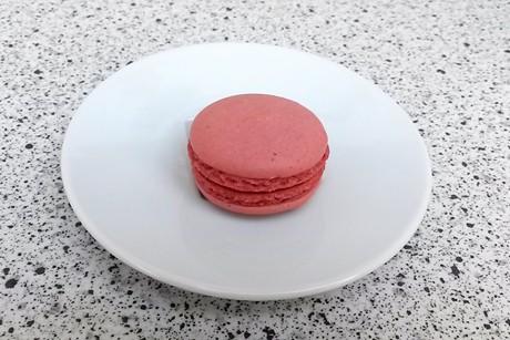 erdbeer-macaron.jpg