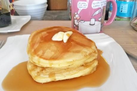 pan-cakes-mit-ahornsirup.jpg