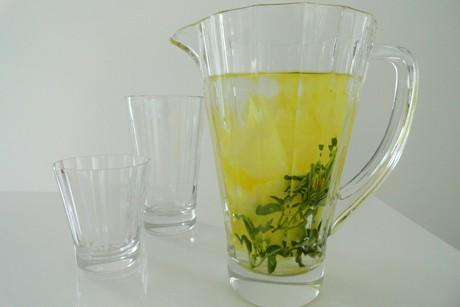 ananas-thymian-wasser.png