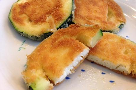 panierte-zucchinitaler-mit-kasefulle.jpg