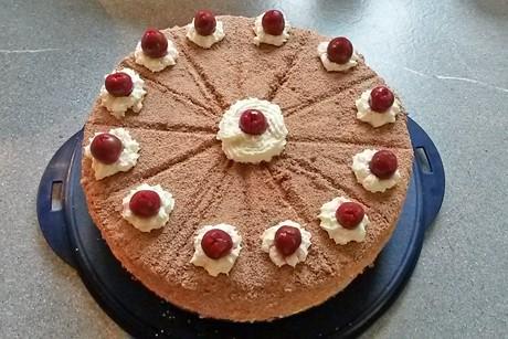 schwarzwalderkirsch-torte.jpg