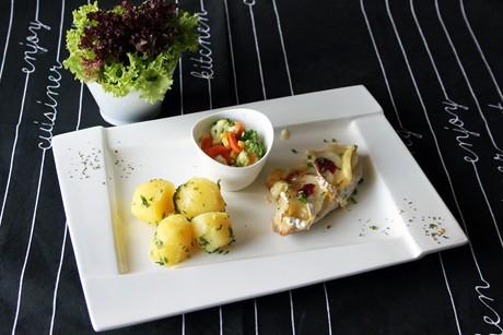 schnitzel-mit-birne-und-camembert.jpg