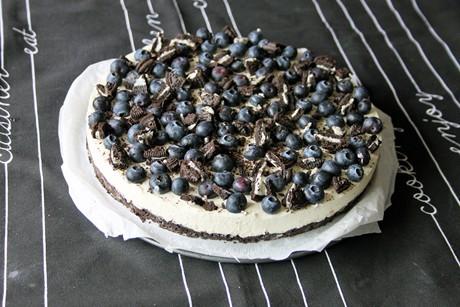 heidelbeer-topfen-torte-auf-oreo-boden.jpg