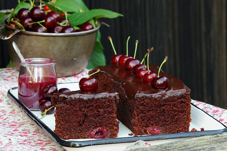 sauerkirschen-schokoladenkuchen.jpg
