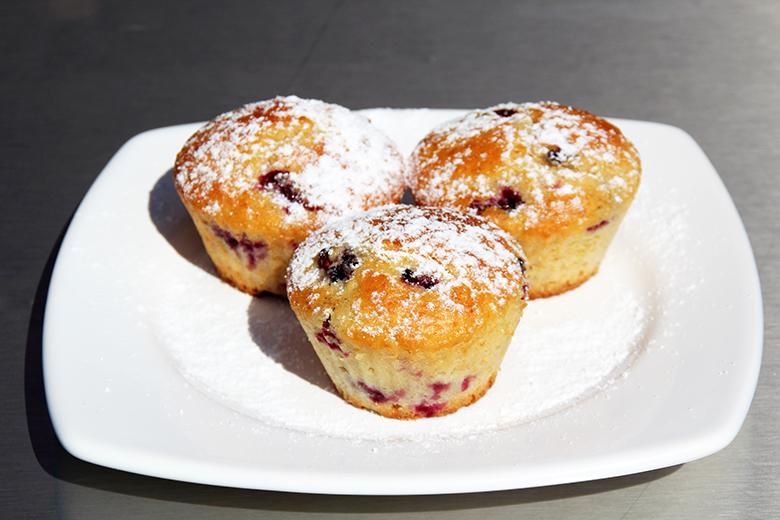 brombeer-eierlikoer-muffins.jpg