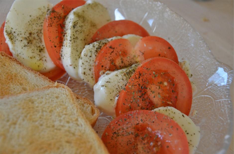 mozzarella-e-pomodori.jpg