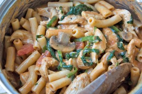 one-pot-pasta-mit-huhn.jpg
