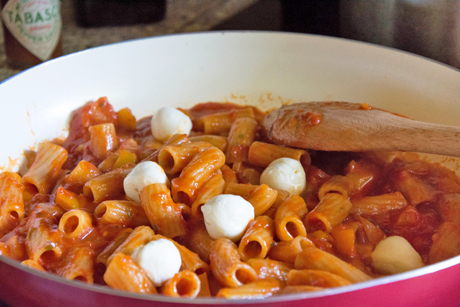 one-pot-pasta-mit-mozzarella.jpg