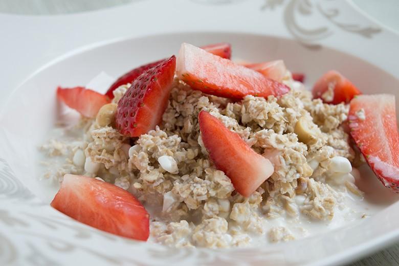 erdbeeren-haferflocken-dessert.jpg