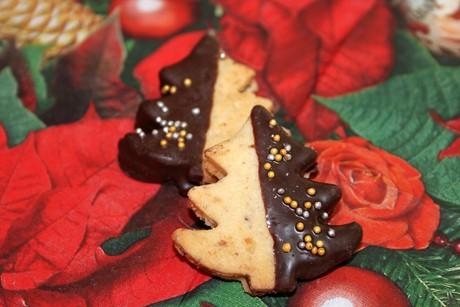 nuss-murbteig-kekse.jpg