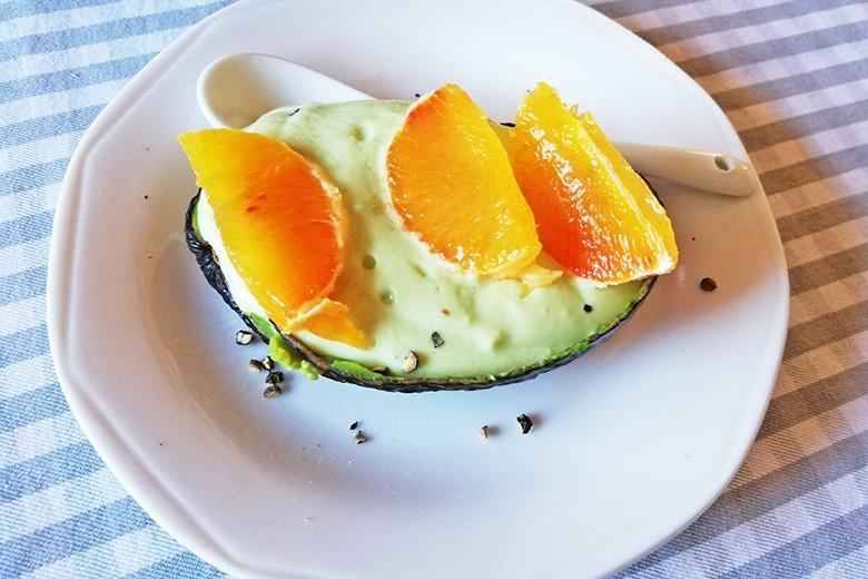 gefuellte-avocado.jpg