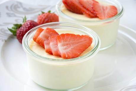 panna-cotta-mit-erdbeeren.png